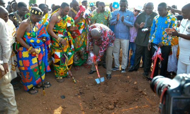 President Mahama cut sod for the commencement of construction of 10 Polyclinics in the Central Region at Gomoa Dawurampong